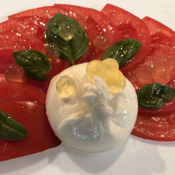 MH_Tomate-mit-Burrata_Mango-Crema-Gourmetperlen
